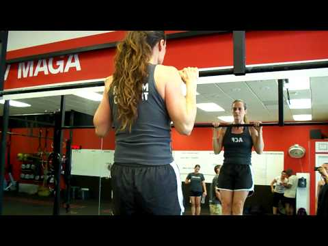 Team CrossFit - Pull up hold