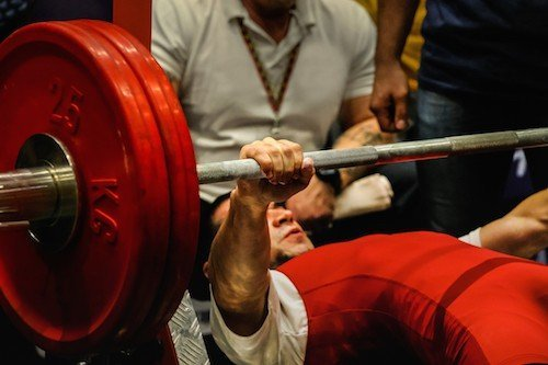 7 Benefits of Powerlifting That Will Have You Lifting More
